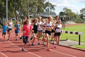 Harriers running a Club Race at George Knott Reserve