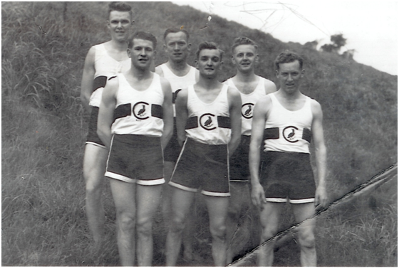 A Collingwood team of the late forties – that's Gordon back left